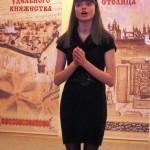 Поет Дарья Дудченко