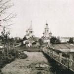 Вид на центральную часть города от здания Спасских казарм. Почтовая открытка. Начало XX в.