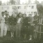 В центре архитектор Лангбард Иосиф Григорьевич и скульптор Янсон-Манизер Елена Александровна