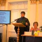 Выступает протодиакон Василий Яковчук, преподаватель Киевской духовной академии, кандидат богословия.
