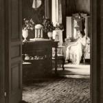 Ольга Гавриловна Лангбард в своей довоенной квартире