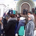 Экскурсию ведет гид Александр Матвеевич Костриков